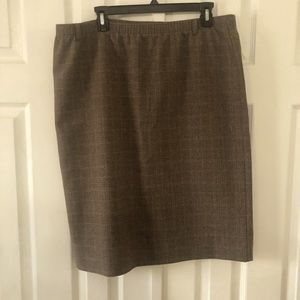 Alfred Dunner brown plaid elastic waist skirt 16